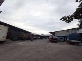 Depan RSA UGM, Gudang 3 Lantai Dijual Murah