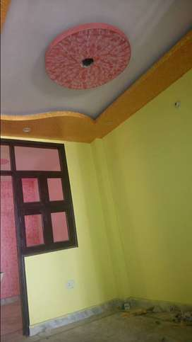 6.9 LACS ME ONE ROOM SET AVAILABLE HAI WITH BIKE PARKING IN UTTAM NAGR
