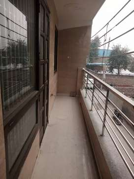 3 Bhk Builder  Floor Sale in Laxman Vihar Phase -2, Gurgoan.