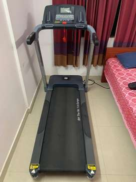 BH TREADMILL BT6443 T200, 4 MONTHS USED WITH TWO YEARS WARRANTY