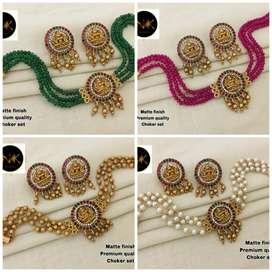 Premium quality matte finish beads choker