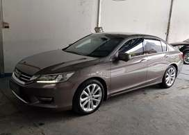 Honda accord 2.4 VTI-L th 2013