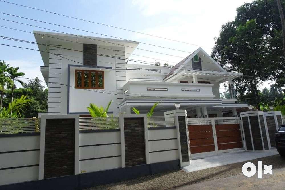 semi furnished independent house aluva parambayam