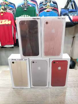 New Apple iPhone 7 128gb All colours available @ Parry's