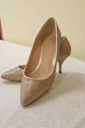 Imported golden shoes for sale