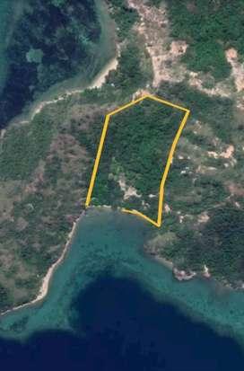 Tanah pinggir pantai di Labuan Bajo