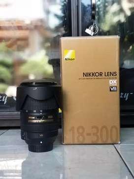 Lensa Nikon 18 300mm Vr mulus