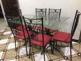 Dining tabel of 6 Persons