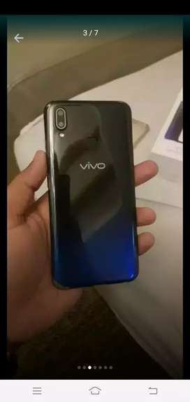Vivo y93 lush condition 9 moth warranty with box charger