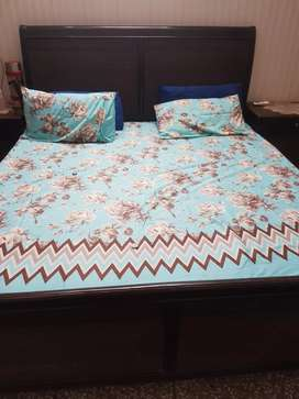 Bed set with dressing table