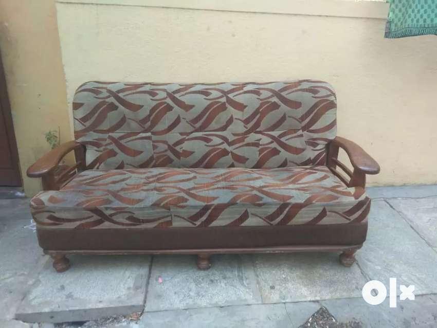 3 seater sofa good condition 0
