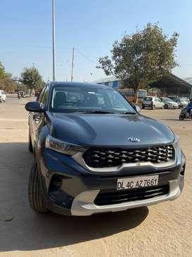 Kia sonet, HTK (petrol) manual. 2500 km driven in excellent condition
