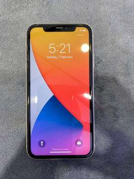 get fast i phone 11 128 gb white super condition