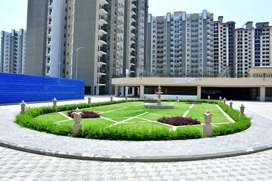 @Convenient % 3bhk Flat 1412sqft/ Available in Gr. Noida West