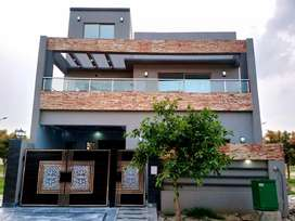 5.7 marla Newly build house for sale in New Lahore City.