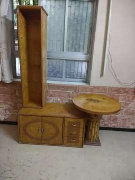 Mini cupboard with display and fancy round table