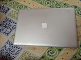 Macbook pro 15.6 inches, i7