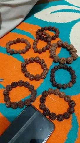Gelang buah Jenitri asli dari halmahera tengah