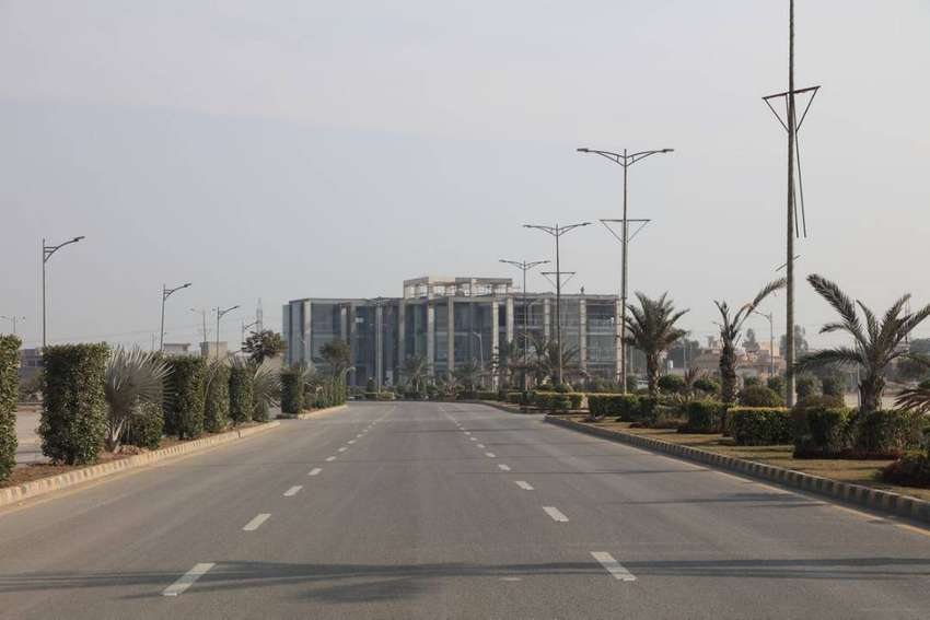 8 Marla Commercial Plot For Sale in New Lahore City 0