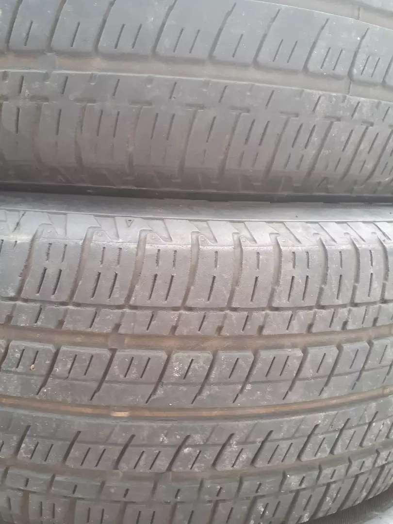Ban crv R 17 . Bridgestone . 2 pcs 0