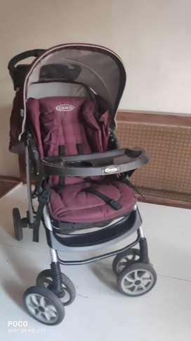 Pram hardly use n car seater brand new