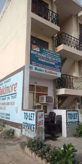 Rent ke liye available One bhk flat sector 33 housing board society