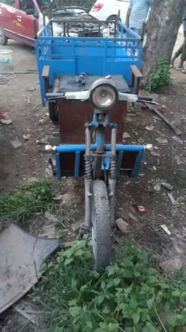 Loding vichale from two wheeler modify