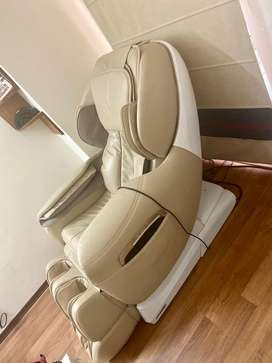 Robotouch Maxima Luxury Full body Massage Chair ; Zero Gravity Design