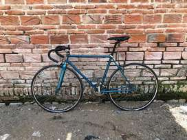 Sepeda fixie balap