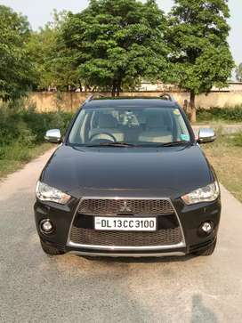Mitsubishi Outlander 2011 Automatic For Sale in Showroom Cond