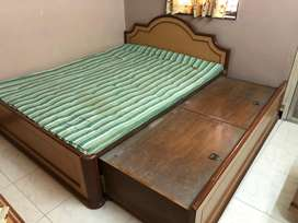 Bed plus dressing table
