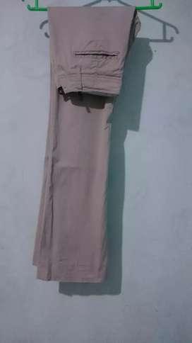 Celana Chinos GAP - Size 28