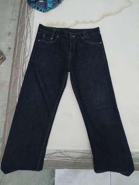 Jual celana LEVIS, W35 L32, harga 250.000 (jual cepat)
