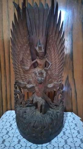 Patung kayu kuno antik