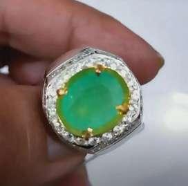 Natural Emerald Bery Zamrud 3.16 Ct Superior Color Memo
