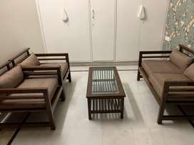 SOFA (4 seater+1 centre table)