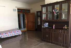 2bhk,1200sft west face,3rd floor,5yrs old,nr MDF road,old bowenpally