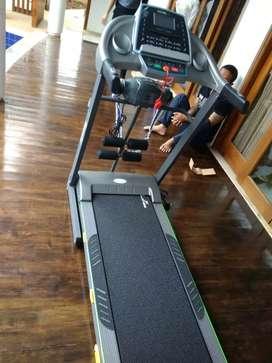 Treadmill  ELEKTRIK  Tl 288 tiga fungsi