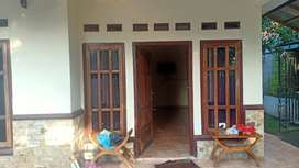 Jual cepat Rumah Tinggal Luas & Strategis dekat alun-alun Wanareja