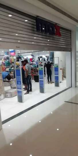 Shop space for sale in the food court area in Symphony Mall for Sale