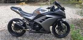 Dijual sepeda motor ninja 250