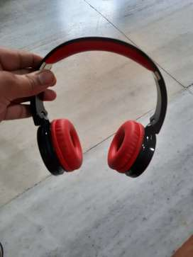 Good condition :: HEADPHONE,  brand :BOAT, DUAL MODE  bluetooth andAUX
