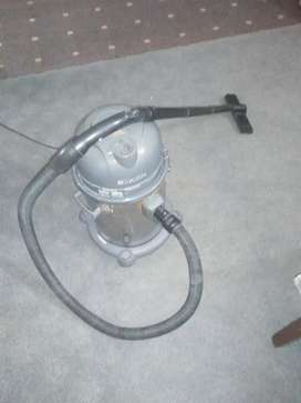 Drum vacuum cleaner