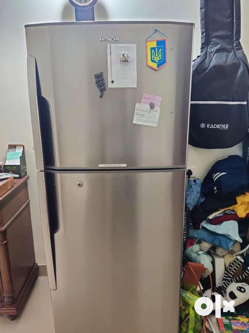 Hitachi fridge 250lit for sell