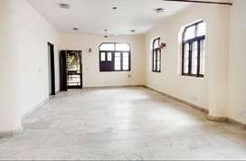 2 BHK Semi Furnished Flat for rent in Sainik Farm for ₹45000, Delhi