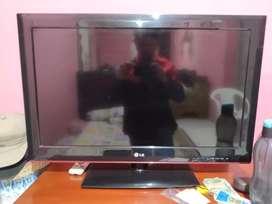 TV LG 32 inc.  Dusna lupa nyimpen TV mah bagus
