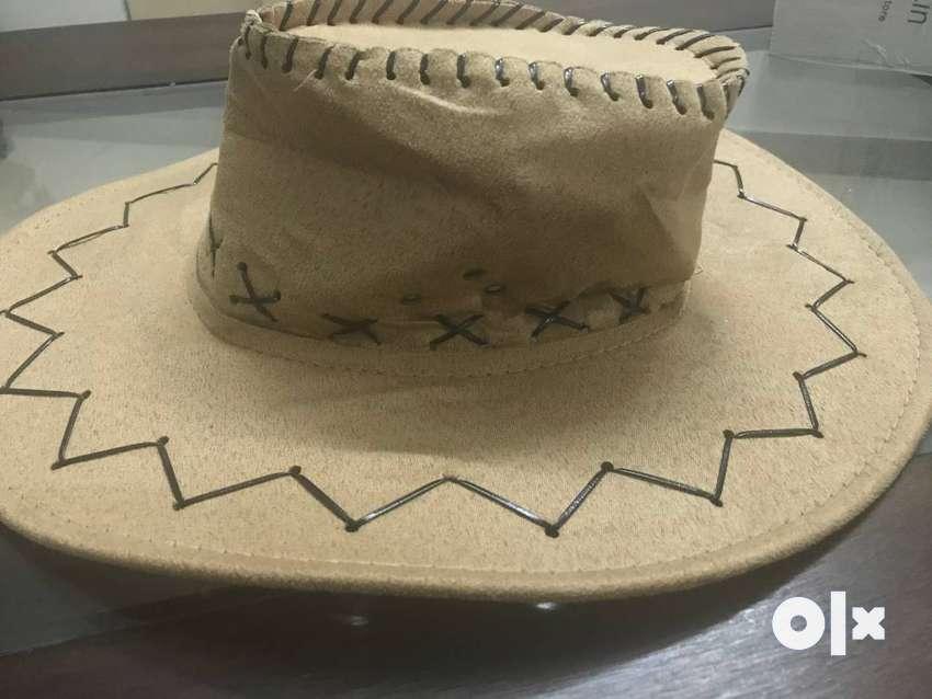 Tourism hat 0
