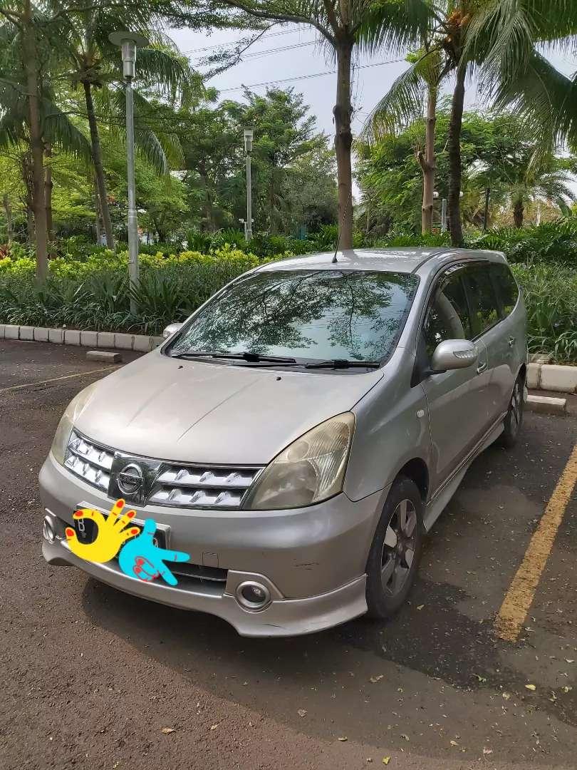 Nissan Grand Livina AT HWS 2011 0
