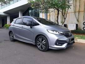 HONDA JAZZ RS 1.5 CVT a/t th 2018  pemakaian 2019 abu2x metalik