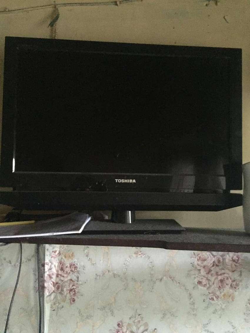 TV Toshiba LCD 24' Murah 800k nego 0